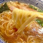 くじら軒 - 麺は細麺ストレート
