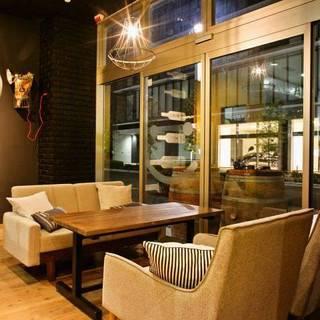 【ワイン食堂】という空間づくりおしゃれで開放的な空間♪