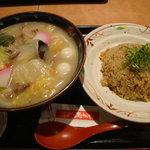 志な乃亭 - 2011-01-03ちゃんぽんうどんとチャーハンセット780円
