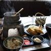 かき庄 - 料理写真:牡蠣釜めしをご飯茶碗に装って全景を撮りました(2017.2.23)