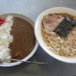 でんでん - カレーライスとラーメンセット(玉ねぎトッピング50円) 950円