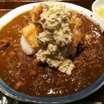 宮崎焼酎酒場ひなた - チキン南蛮カレー(中) 880円、スパイシーなカレーは鳥肉入りになります
