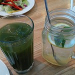 パステルイタリアーナ - ランチセットのドリンク。くわの葉青汁。レモネード。2017.2
