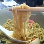 俊麺 なが田 - 中太若干縮れ麺