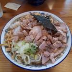 ケンチャンラーメン - 中華そば普通、味普通、油普通、細切りチャーシュー、煮タマゴ君、メンマ増し、身入り