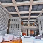Ribaritoritogaraku - .ロビーは二階までの吹き抜け。二階にはライブラリーあり。