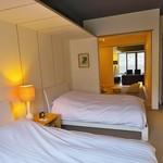 Ribaritoritogaraku - 写真の部屋は白を基調としたすっきりとしたお部屋。二日目は木目を生かした漆喰の壁のお部屋でした。