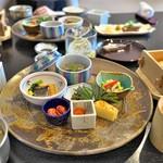 リバーリトリート 雅樂倶 - 二日目の朝食。炊き立てのごはんが絶品!