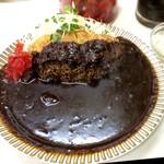 キッチン南海 - カツカレーをご飯半分で。