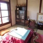 普段着きものカフェ サダ子さん - 二階の陽の当たる部屋を使わせていただいた