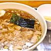 Kawagoetaishouken - 料理写真:ワンタン麺(中盛)+生卵 900円+50円 朝っぱらからたっぷりの永福町大勝軒♪