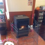 ブルーリバーカフェ - 暖炉がありました(*^^*)。