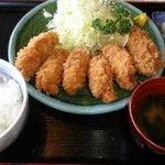ドライブイン波立 - 料理写真:カキフライ定食