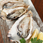 ユイットル - 料理写真:新鮮!産直生牡蠣\1600
