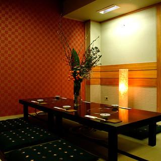 多彩なご宴席に最適な、お座敷個室やテーブル席