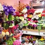 63025159 - 花に溢れた素敵な空間