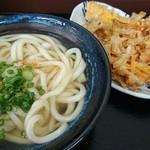 のぶ屋 - かけうどん+天ぷら(かきあげ、とり、だし巻き玉子)