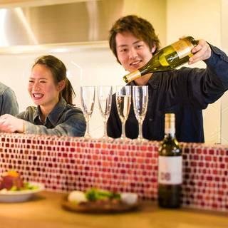 カッコいい空間でおしゃれにステーキとワインとサービスを楽しむ