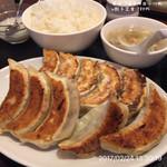 華味一番 - W餃子定食 780円