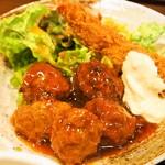 63038575 - 日替わり定食(肉団子甘酢、海老フライ)