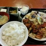 同楽 - 回鍋肉定食、750円。
