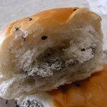 気仙沼パン工房 - ごまの風味が、スペシャルな印象