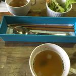 珈琲 そうふぁ - ランチのスープとサラダ