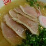 いっぱいいっぱい - 白湯醤油の鶏のレアチャーシュー