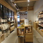 koegreen - お店の中央