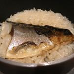 伝説の串 新時代 - 焼きサバ釜飯
