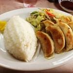 ぎょうざ飯店 - 料理写真:餃子定食(餃子8個):610円