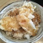 蕎麦 二天 - そぼろ鶏天丼350円