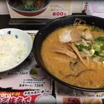 ラーメン山小屋 - 料理写真:とんこつ味噌ラーメン 830円
