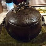 日本酒バル 蔵のや - たっぷりウニの土鍋ご飯