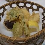 割烹 松ヶ枝 - 春野菜天