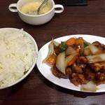 China's Kichtin 莉華 - 昼のランチ(酢豚)550円→680円へ