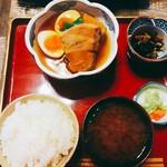 鐵馬厩 - 角煮定食 1200円(税別)