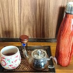 杏's cafe - 杏's cafe @花小金井 ランチに付くドリンクはタイ紅茶を選んで 保温ポットはお替り用のお湯