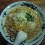 IKR51with五拾壱製麺 - 【海老かすラーメン 元味醤油】880円  背脂:ふつう、味玉:付き