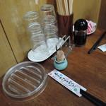 IKR51with五拾壱製麺 - 卓上には醤油が置いてあった。