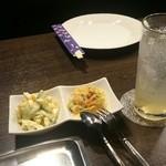 バーアクアビット - 料理写真:ランチの前菜&江古田はちみつハイ