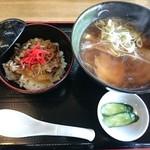 寿司ショップ彩 - 中華そば&ミニ牛丼ランチ