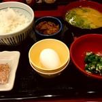 なか卯 - 朝まぜごはん牛小鉢定食 350円 + とん汁変更 50円 = 400円