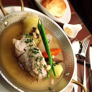 道産食材にこだわり、具の旨みが溶け出た極上のスープ!