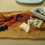 ビストロ ア ラ ドゥマンド - チーズ