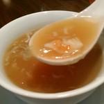 天津飯店 - [料理] フカヒレスープ ②