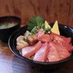 Shimizukouminami - 料理写真:2017年2月再訪:本日のおすすめ 生本鮪トロ丼 大トロ・中トロ☆