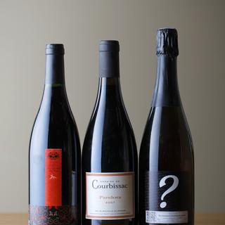 肉料理に合うオススメボトルワインは約30種以上をご用意