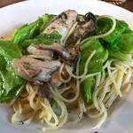 L'AUTRE MAISON 西の洞 - 料理写真:牡蠣のペペロンチーノ