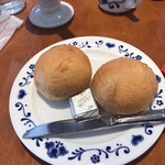 アンナミラーズ - チキンポットパイ付属のパン